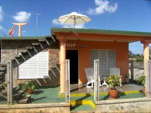 Frente de la Casa La Gran Familia. Viñales. Pinar del Rio. Cuba