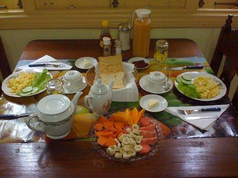 Desayuno en la casa de lissette viajar a vi ales cuba - Desayunos en casa ...